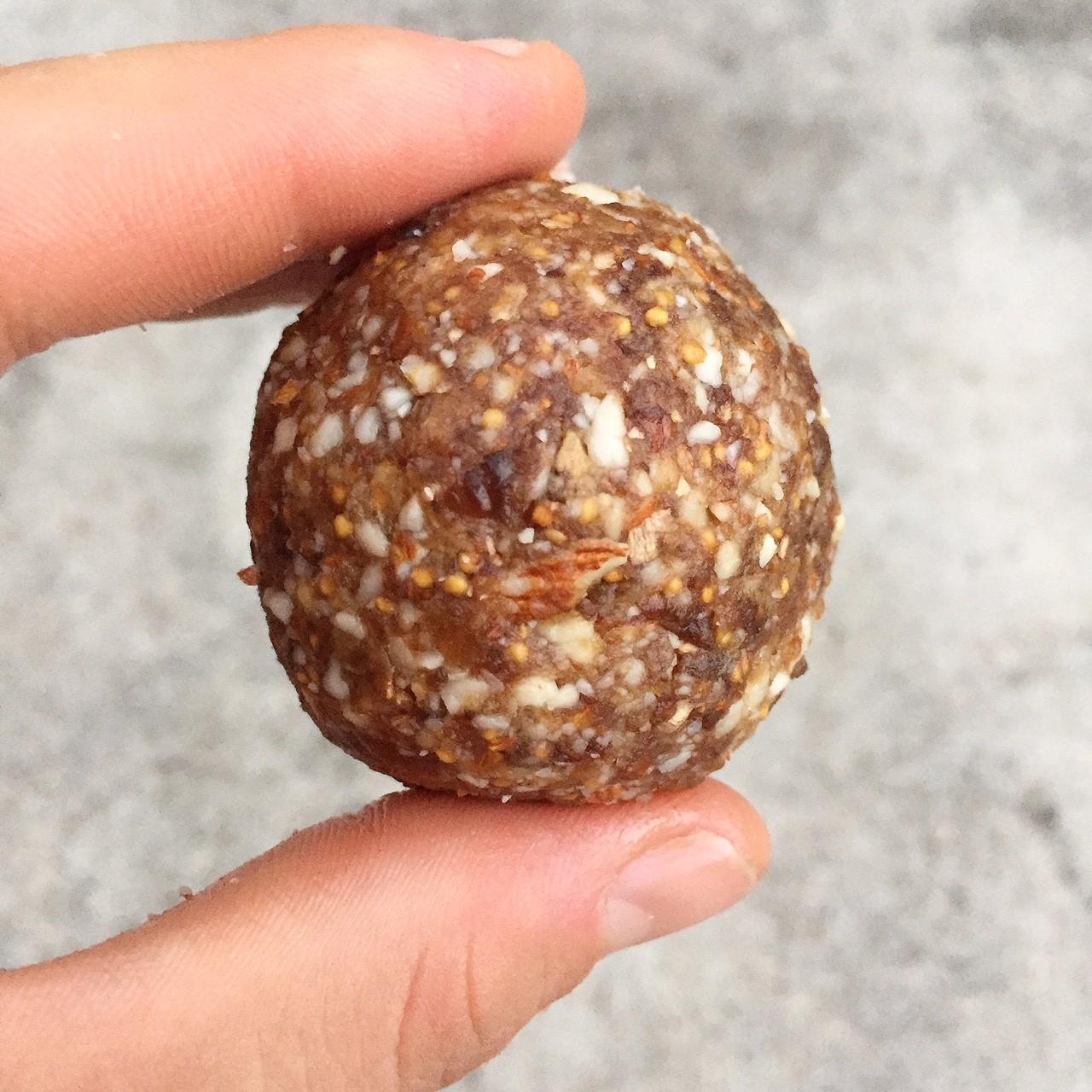 Tahini and Fig Calcium Balls